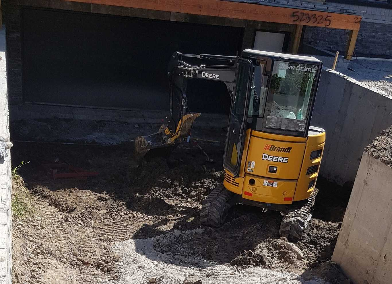 Yellow Machine Digging Foundation