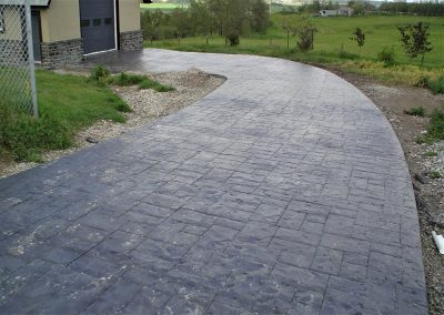 Round Shaped Concrete Driveway