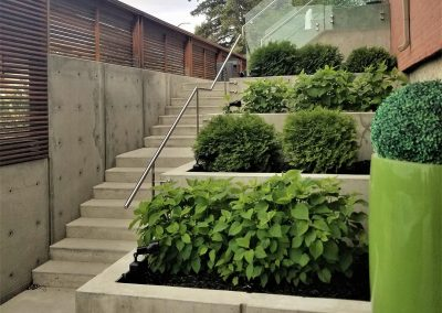 one-architectural-concrete-planters