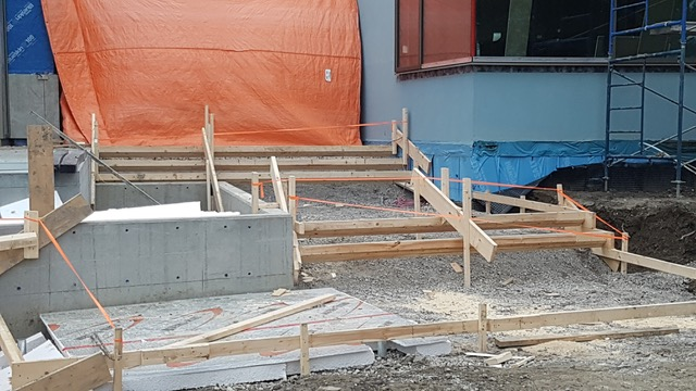 Building Front Concrete Steps